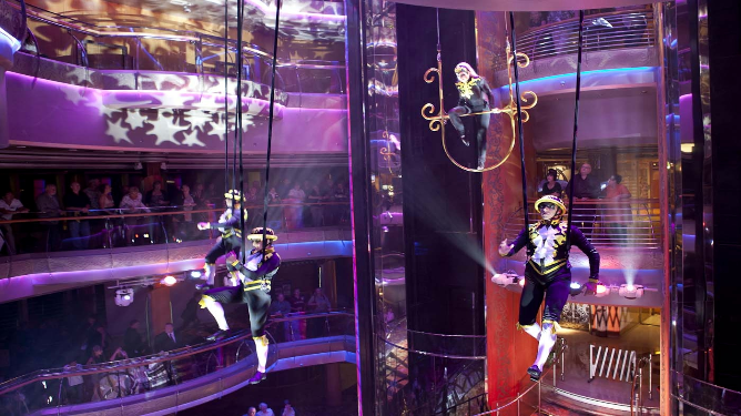 Royal Caribbean - Amazing Entertainment